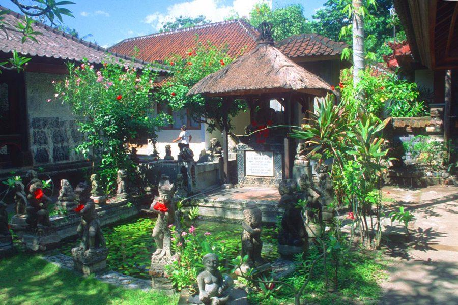 76 Desain Taman Bali Minimalis Gratis Terbaru
