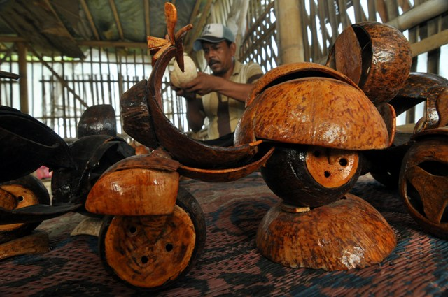 miniatur batok kelapa