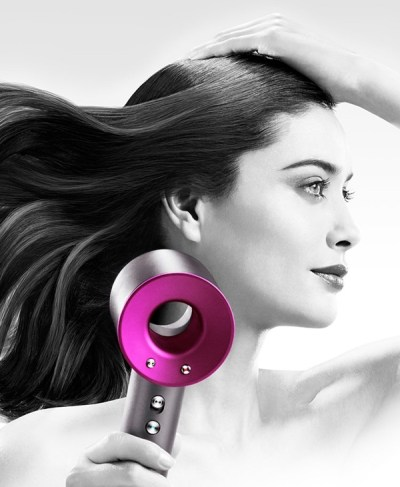 dyson-supersonic-hair-dryer-in-use-bg