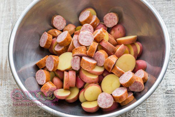53601-roasted-potatoes-and-kielbasa-3-600x400