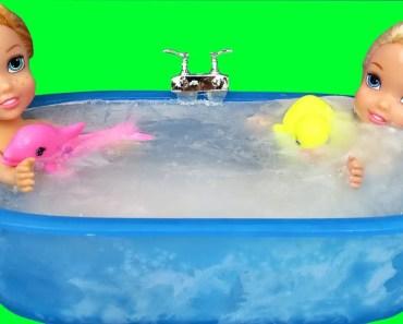 Ice bath ! Elsa & Anna toddlers ! Bubbles - Foam - ice bath elsa anna toddlers bubbles foam