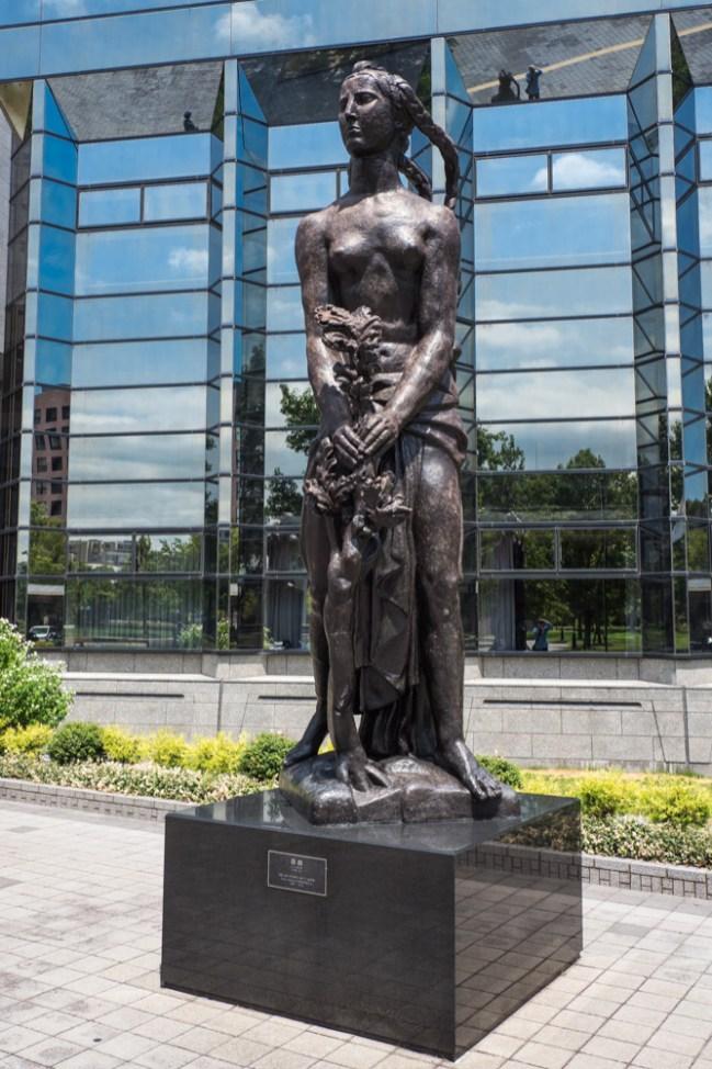 ブロンズ像の写真