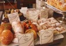 菓子パン系もある