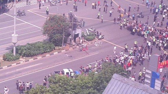 MH Thamrin Mencekam, Semua Orang Panik Paska Bom Meledak Di Pos Polisi.