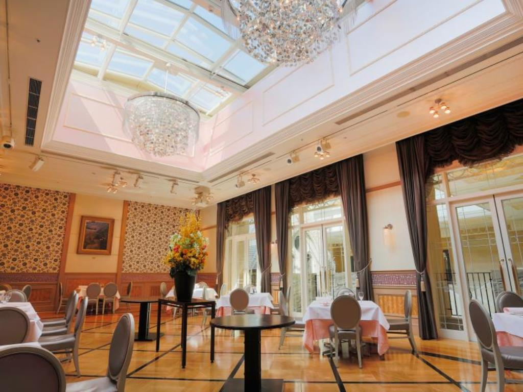 Lounge Hotel Monterey Kyoto (Tomaru)