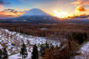 Niseko Mt Yotei Sunset (Canva)