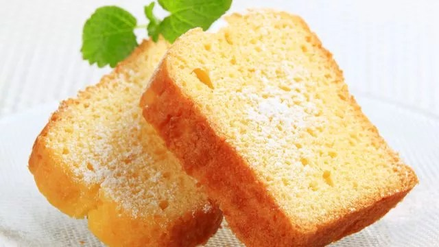طريقة عمل الكيكة الاسفنجية بالصور بدون فرن