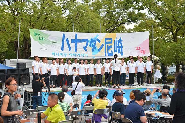 メインゲストの6.15合唱団のステージ