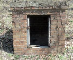 Dynamite Shack Crescent Brick Hardins Run