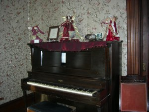 player piano parlor