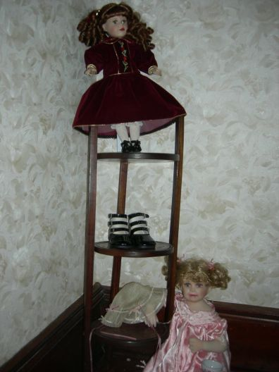 dolls, upstairs hall