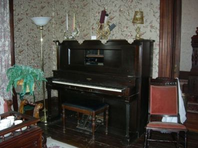 player piano, parlor