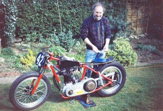 John's 'Home-Brewed' 350cc 1940's Ariel Sprinter.
