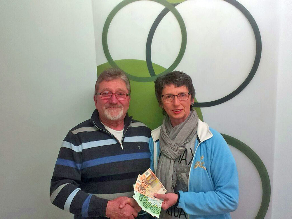 Spendenübergabe von der Kolpings-Familie Amlingstadt