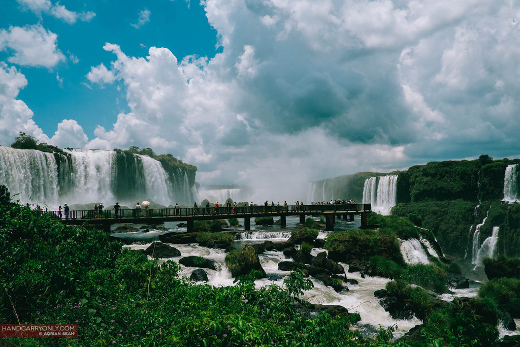 catwalk iguacu brazil side