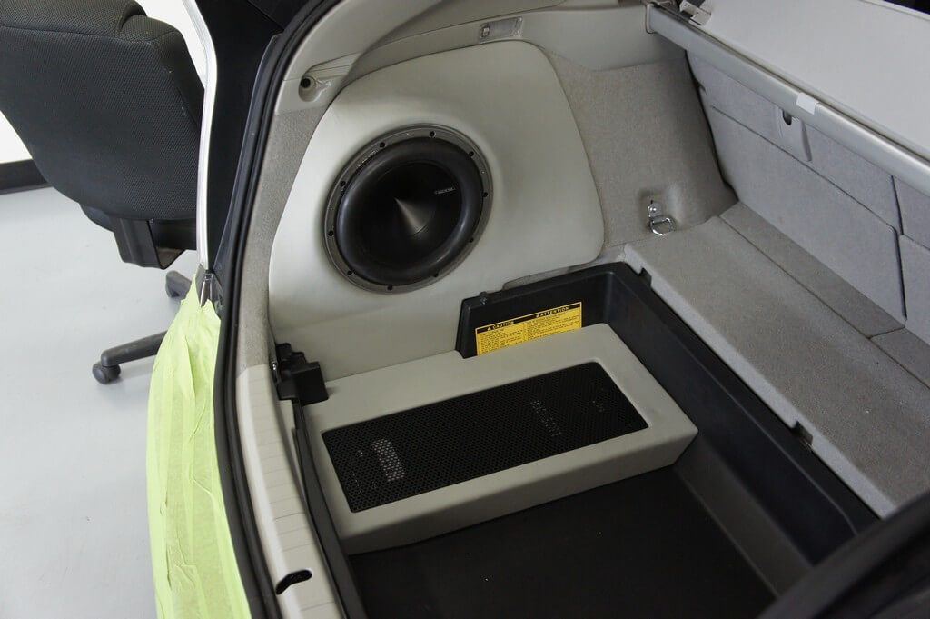 2010 Toyota Prius gets a full Audison/Hertz sound system