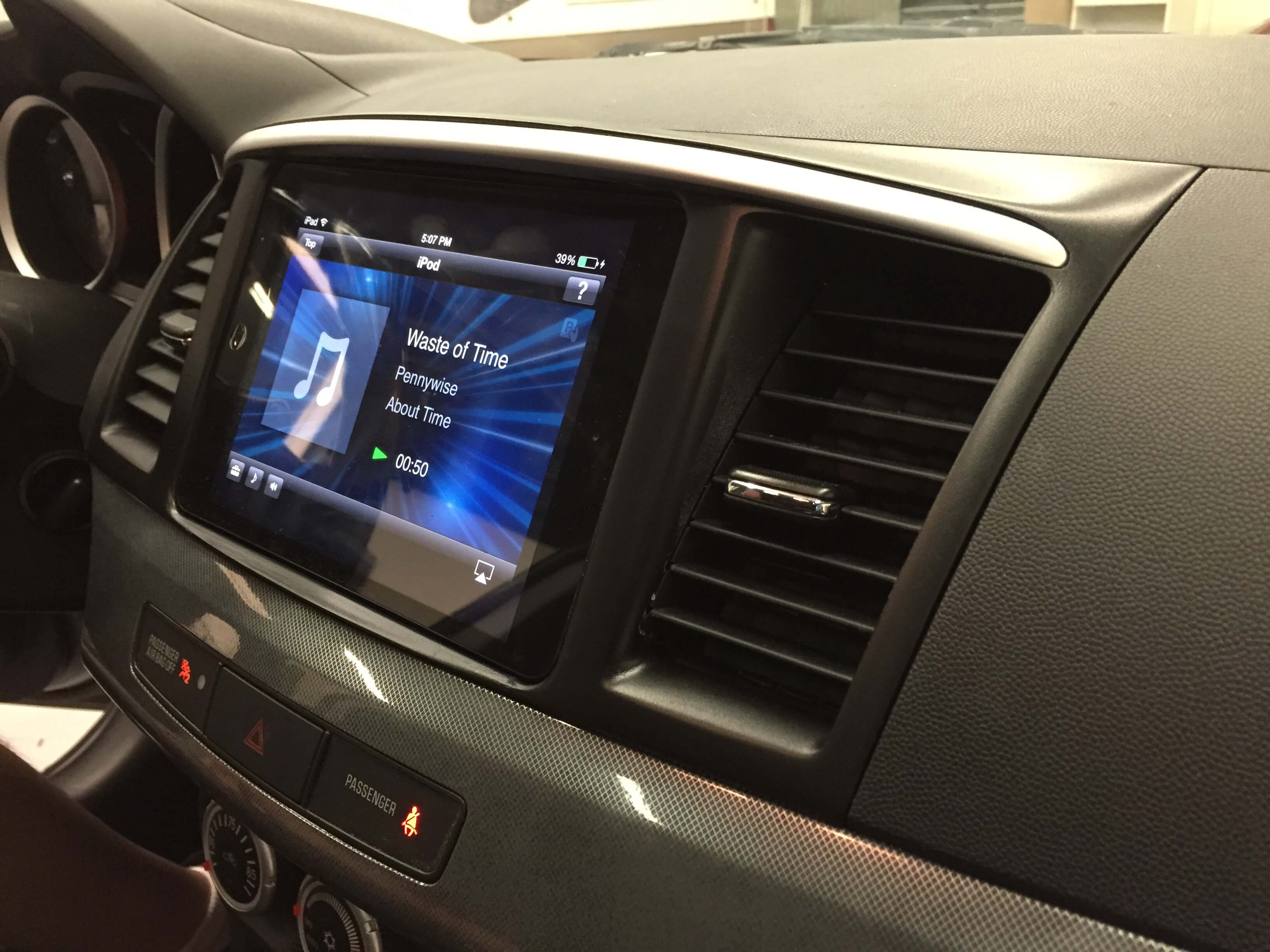 2008 Mitsubishi Lancer Gets An Ipad In The Dash And A Sound System