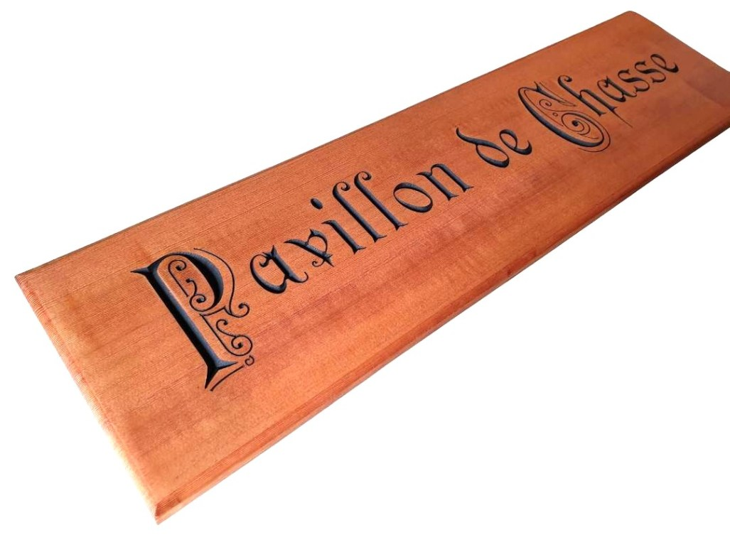sign routed edge profile pavillon de chasse
