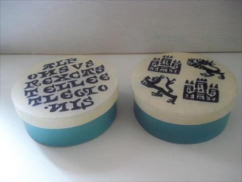 Cajas de madera pintadas a mano con acrílico de 9 x 5 cm