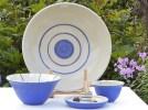 Somrigt porslin i blått och vitt