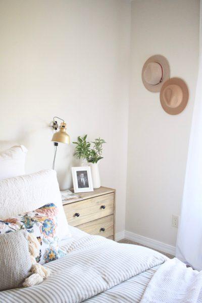 Farmhouse Bedroom Makeover