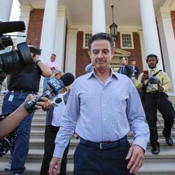 Bookie Inspects Louisville Pitino Settlement