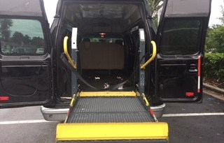 2009 Ford E350 Non Emergency Rear Entry Wheelchair Van full