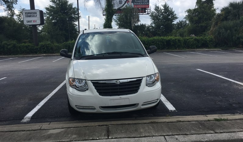 2007 Chrysler Town & Country Side Entry Wheelchair Van full