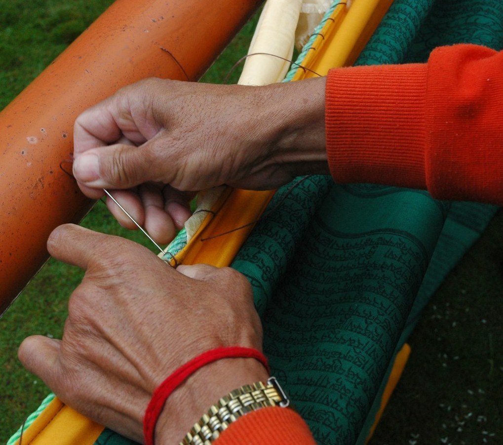 How to Hang Prayer Flags? 6