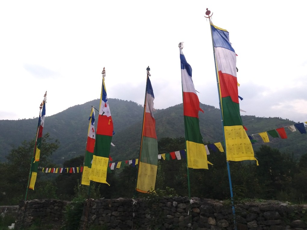 How to Hang Prayer Flags? 5