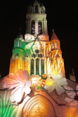 Les illuminations de l'église Ste-Blandine en 2014. (C) Sara Chalbos