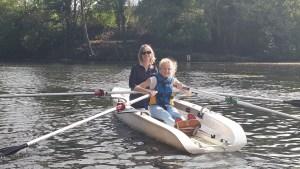 abigael et sa mère sur l'aviron