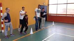 Abigail et les étudiants de l'IKPEK lors des test de classification