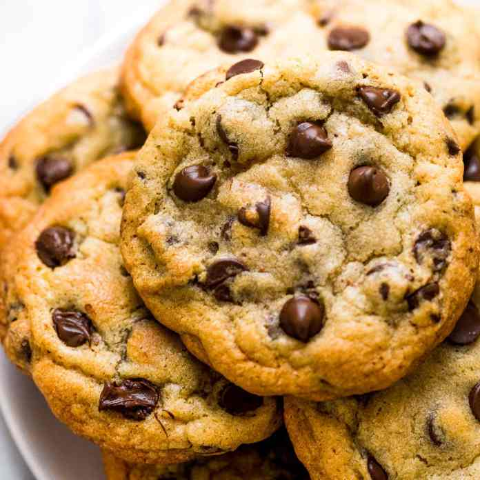 Best Bakery Style Chocolate Chip Cookies Recipe Handle The Heat