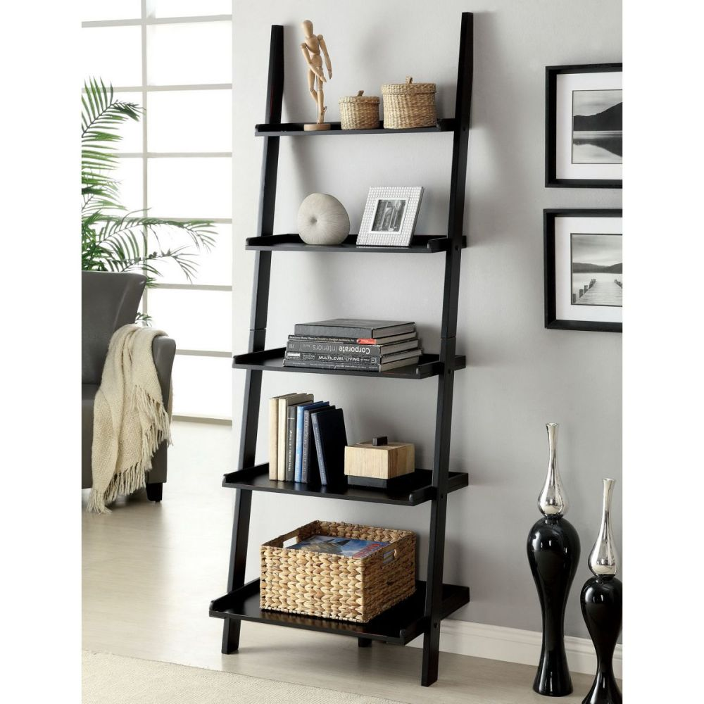 Home Tips: Rustic DIY Ladder Shelf (1)