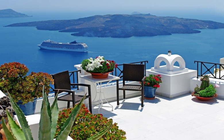 Future Travel: Santorini, Greece - Holiday on Hand Luggage Only