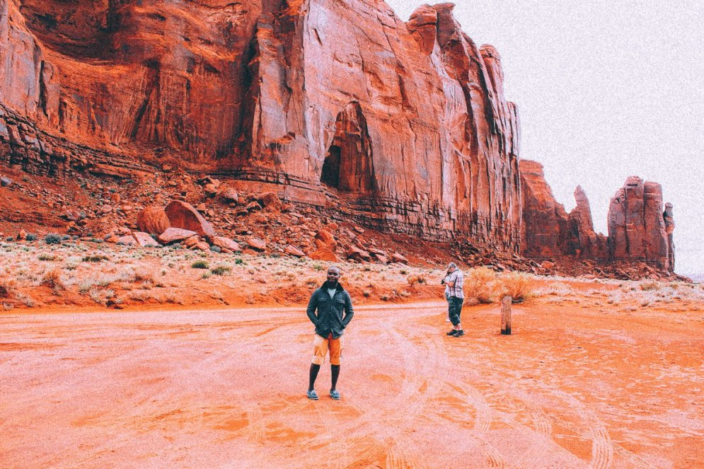 Monument Valley - Zipping back and forth between Utah and Arizona! (7)