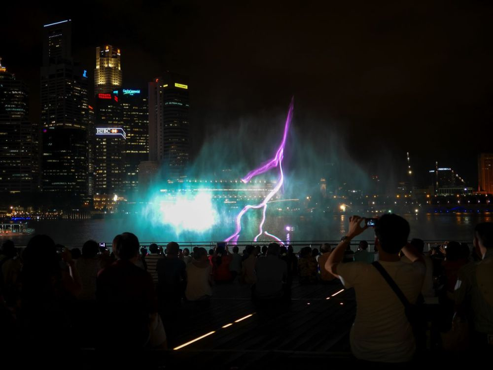 "Fire, Water and Light - The ""Wonder Full"" Spectacular on the Marina Bay, Singapore (6)"