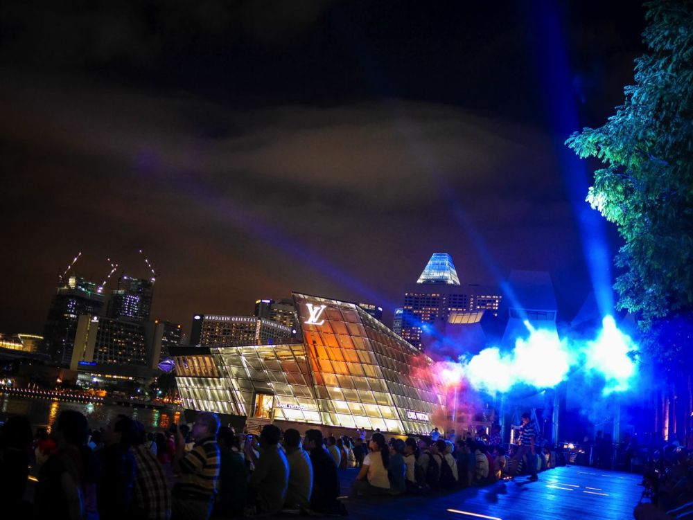 "Fire, Water and Light - The ""Wonder Full"" Spectacular on the Marina Bay, Singapore (7)"