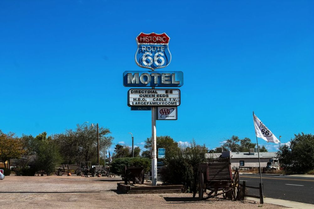Road Trip USA! The legendary Route 66 and Road Kill Cafe! (2)
