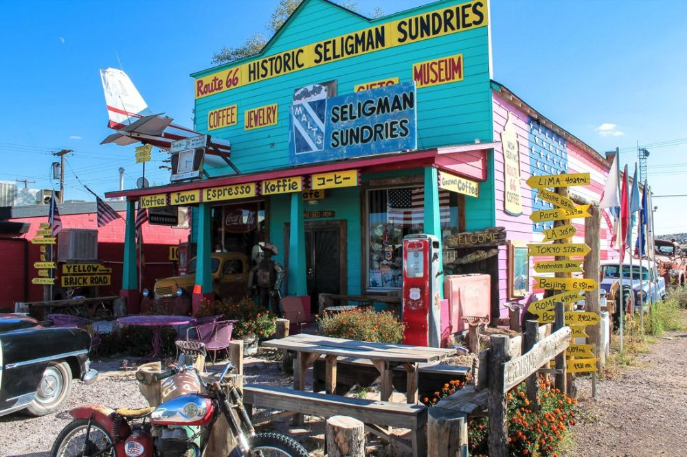 Road Trip USA! The legendary Route 66 and Road Kill Cafe! (11)