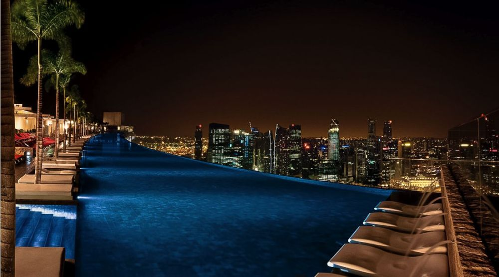 Marina Bay Sands Hotel Infinity Pool and Hotel Room Singapore (6)