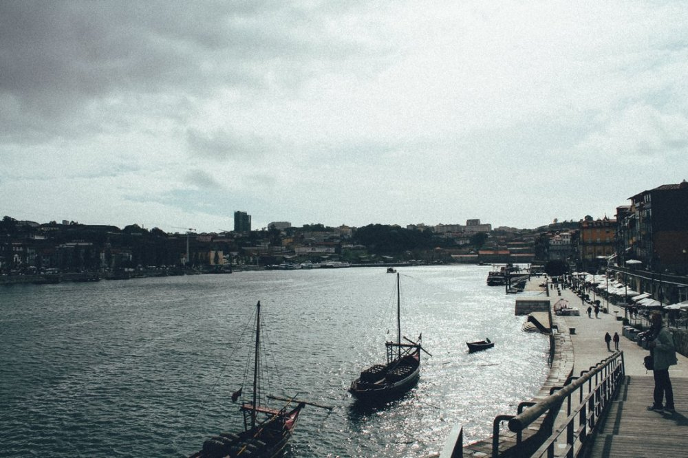 Wine with a view (oh, and some lunch too!)... in Porto, Portugal (2)