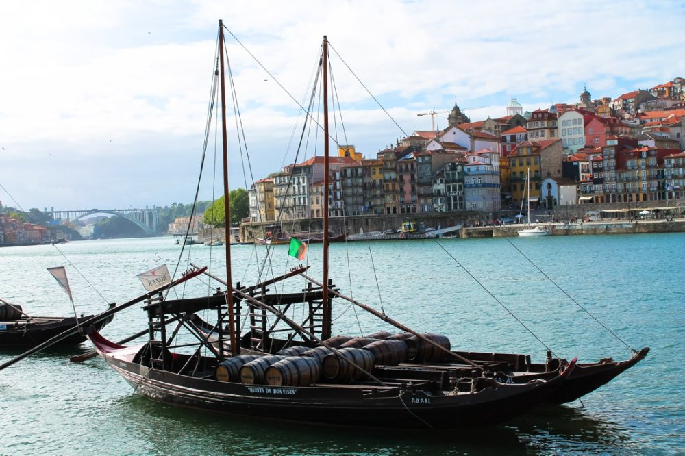 Wine with a view (oh, and some lunch too!)... in Porto, Portugal (3)