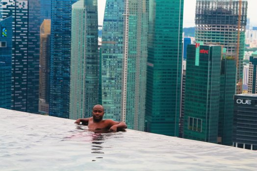 The Marina Bay Sands Hotel and Infinity Pool in Singapore via Hand Luggage Only Blog www.handluggageonly.co.uk (16)