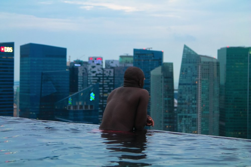 The Marina Bay Sands Hotel and Infinity Pool in Singapore via Hand Luggage Only Blog www.handluggageonly.co.uk (9)