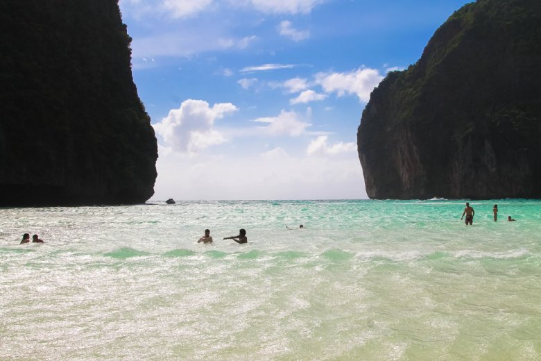 Maya Bay, Phi Phi Island, Thailand on Hand Luggage Only Blog (9)