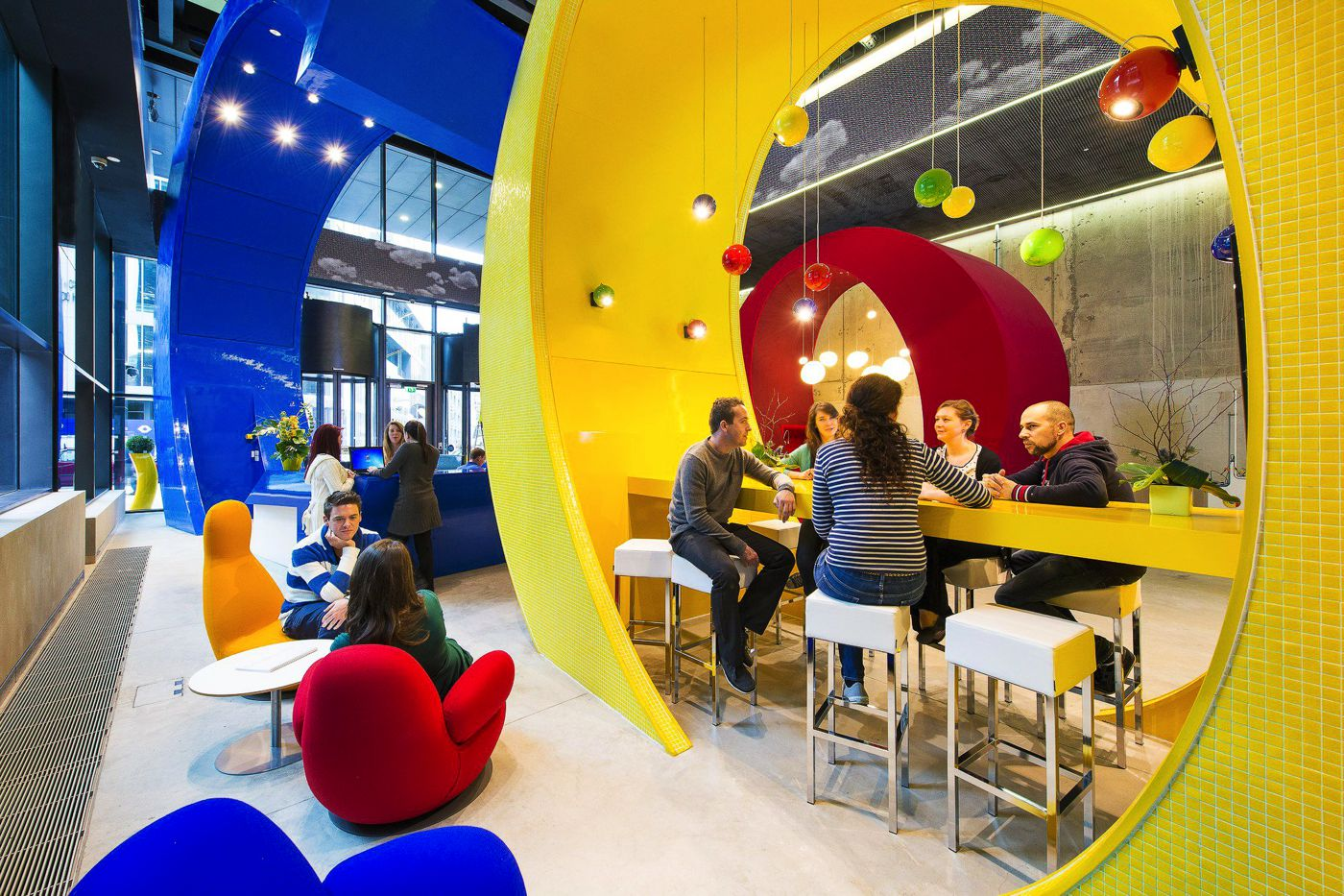8 Really REALLY Cool Offices You'd Probably Want To Work! (1)