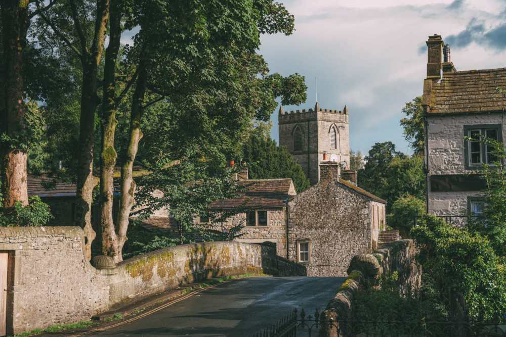 Beautiful Villages To Visit In Britain (2)
