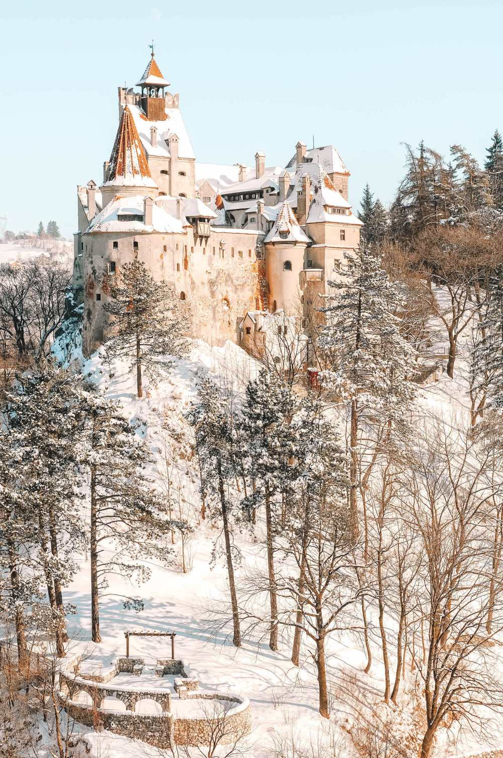 Pretty Castles In Europe To Visit (24)